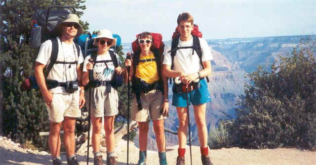 what to wear for hiking in grand canyon